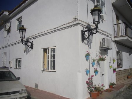 Cottage to swap in Malaga, Spain - 2 Small Spanish Terraced
